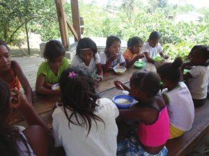 Ecoclub - Cabaña - 2012 - Gemeinsames Mittagessen
