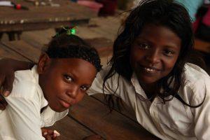 Ecoclub - Cabaña - 2012.09 - Glückliche Kinder